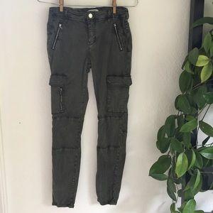 ⭐️ Zara olive green skinny zippered cargo pants